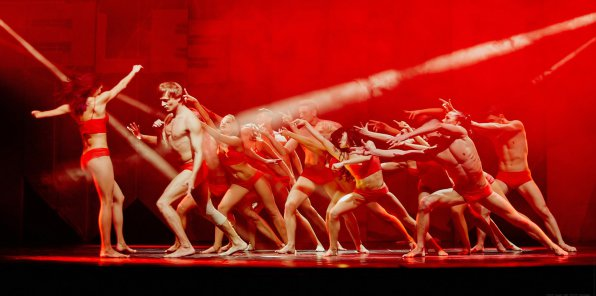 -50% на танцевальное 3D-шоу FLEXXBALLET