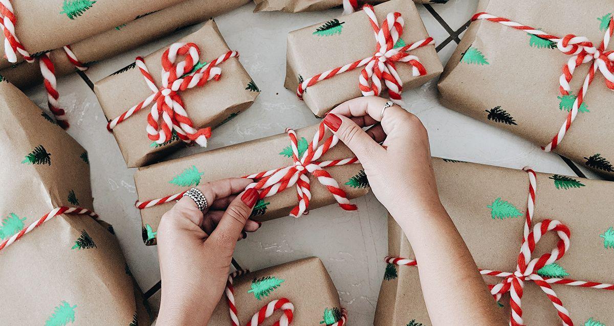 Что подарить на НГ в детском саду детям и воспитателям