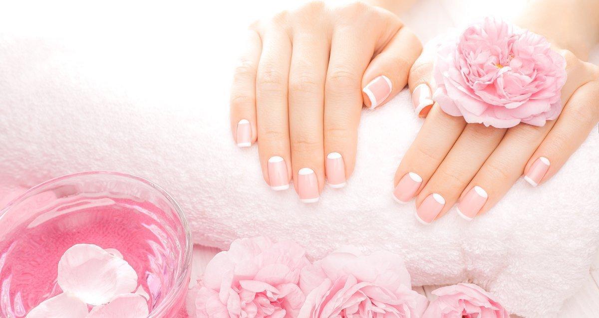 Скидки до 70% на ногтевой сервис в салонах «Репост»