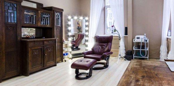 Скидки до 75% на перманентный макияж в студии «Голубка»