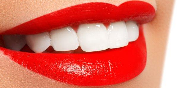 Скидки до 55% на косметическое отбеливание зубов