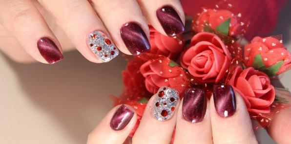 Скидки до 60% на ногтевой сервис в салоне Bezze Spa