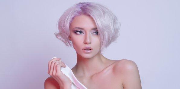 Скидки до 53% на услуги для волос в салоне Prestige