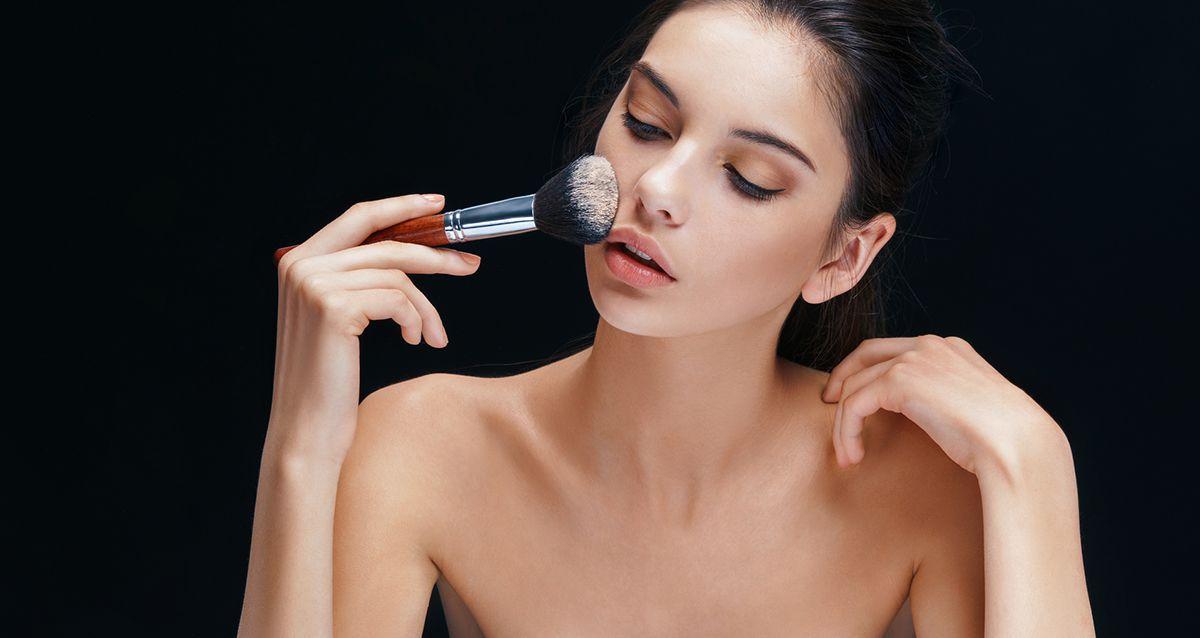 Пудрим носик: как подобрать пудру под тип кожи