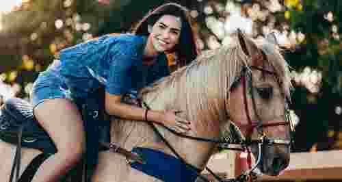 Скидки до 50% на прогулки по живописным местам от КСК Golden Horses