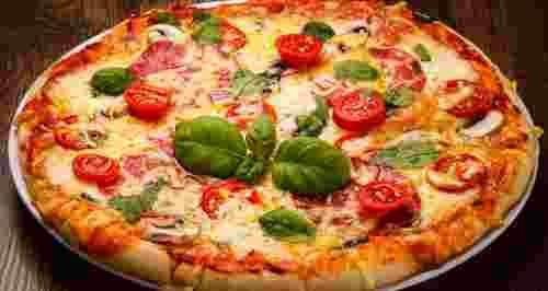 Скидка 50% или 1+1 на роллы, пиццу, бургеры и буррито