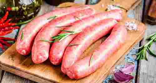 Домашние сосиски: как и из чего приготовить