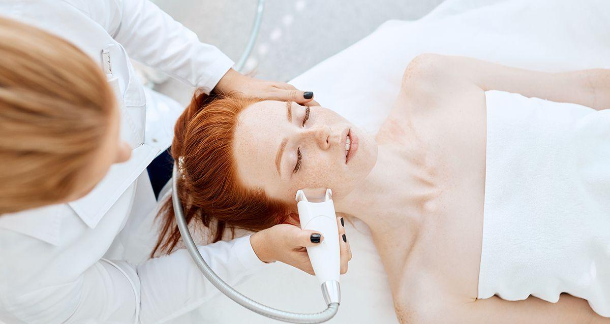 ТОП-5 косметологических методик для четкого овала лица