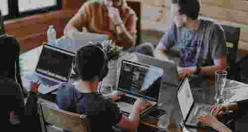 5 упражнений на позвоночник для тех, кто много сидит