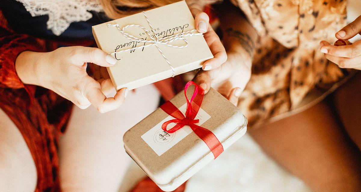 Как оригинально упаковать подарки