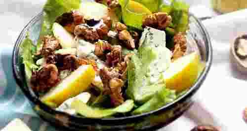 ТОП-3 салата ноября: с капустой, грушей и корейской морковью