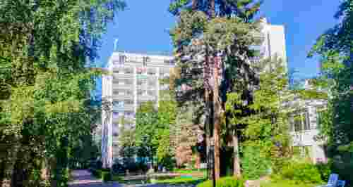 Скидки до 50% на отдых от SPA-отеля «Гелиос» + шведский стол + SPA