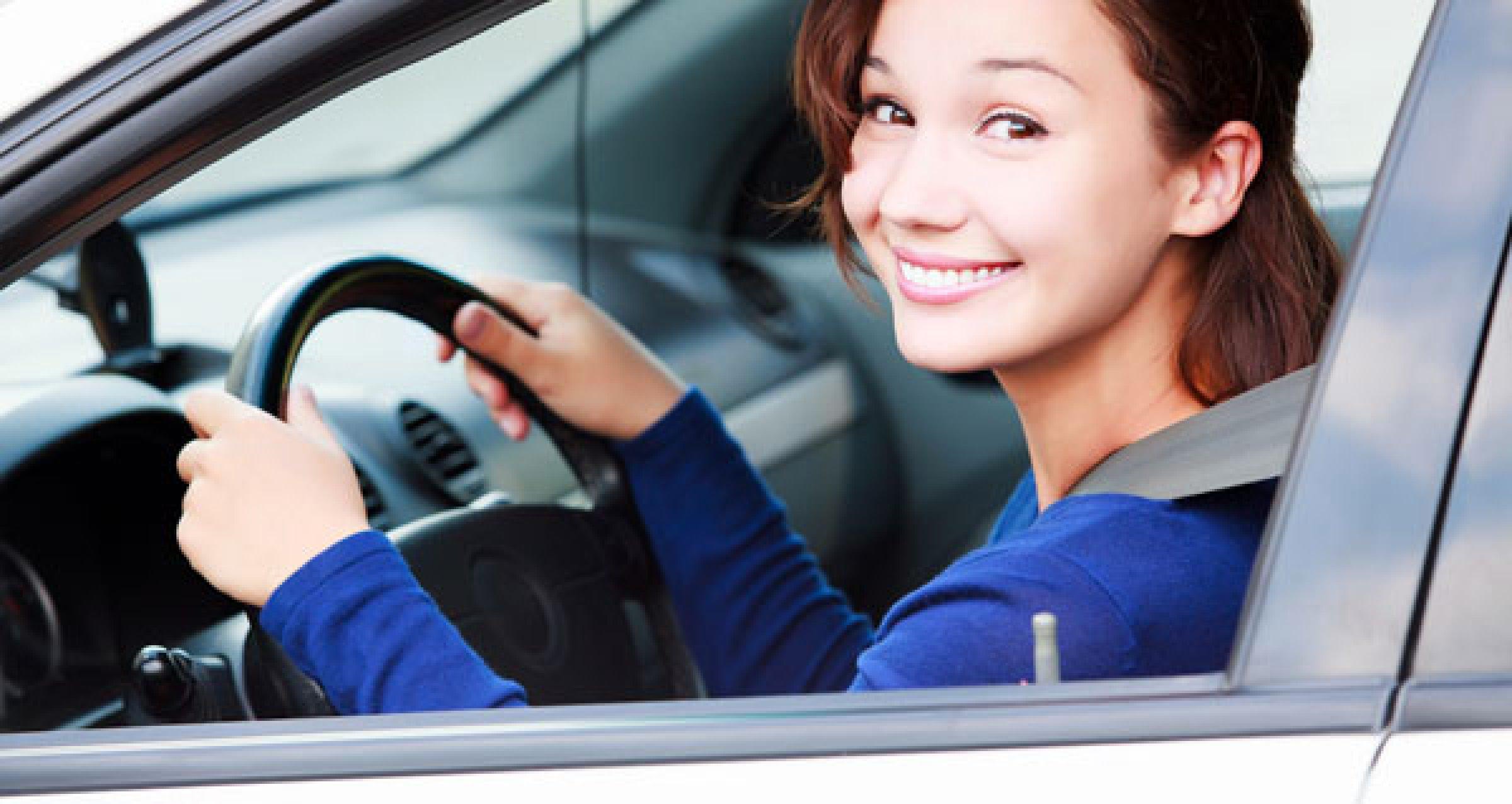 Хозяйка водитель секс, Накаченный водитель трахает свою хозяйку в машине 22 фотография