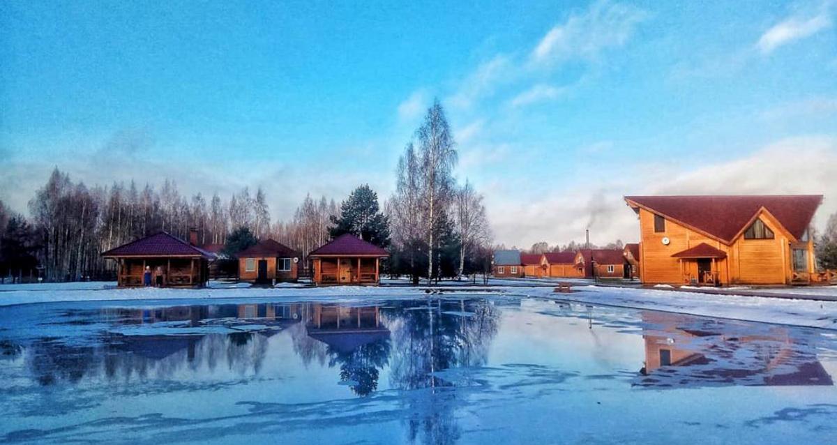 Загородный отель Woods Lake Resort