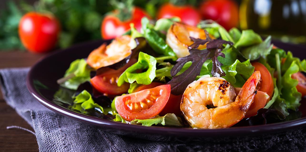салат из сезонных овощей