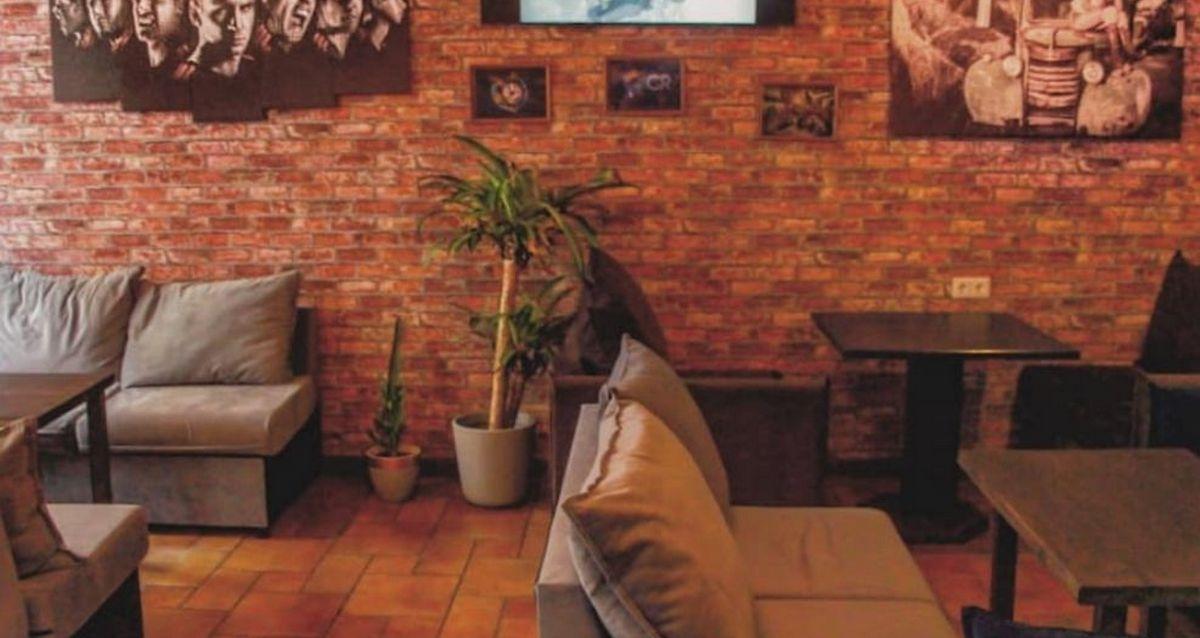 интерьер в пабе IPUB.Lounge
